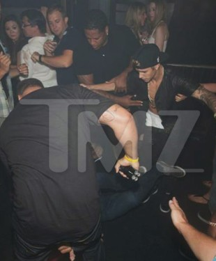 MobayLinkUp Entertainment Report Footage / Teen Pop Star Justin Bieber Attacked In Nightclub In Canada